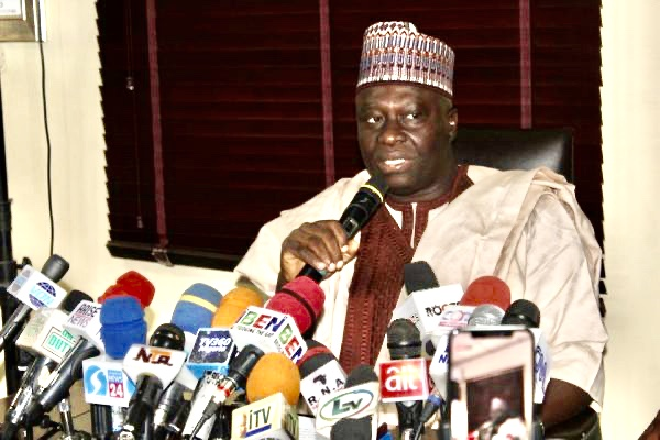 FG directs all social media platforms, online broadcasters to apply for licence